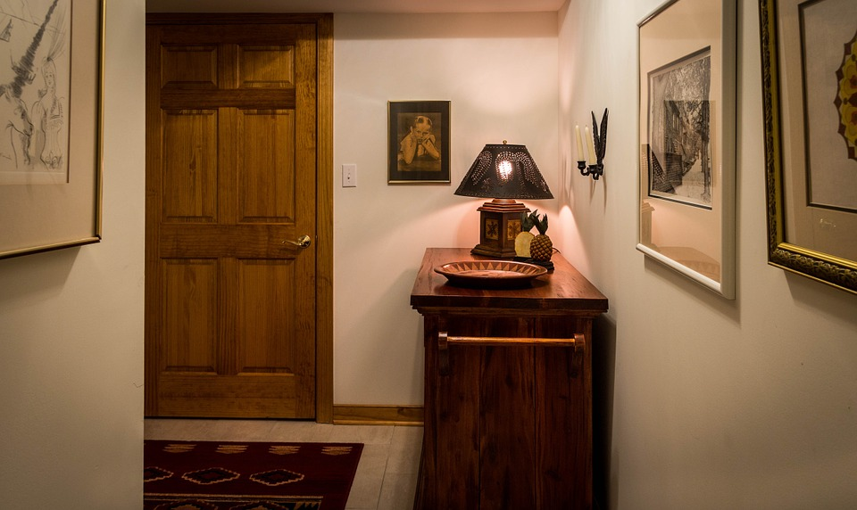 Easy Ways to Enhance Your Hallways Décor