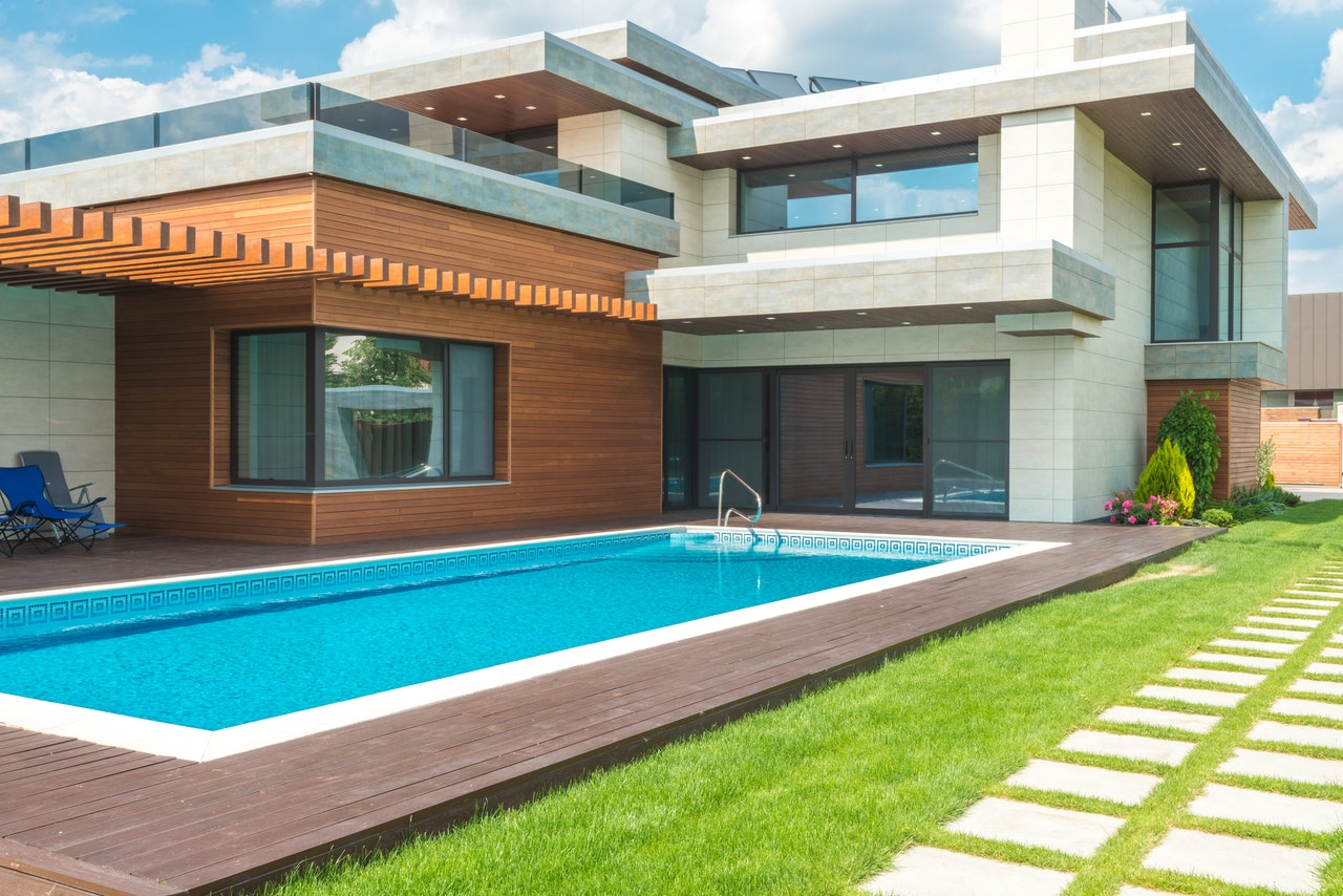 How to Make Your Swimming Pool More Environmentally Friendly